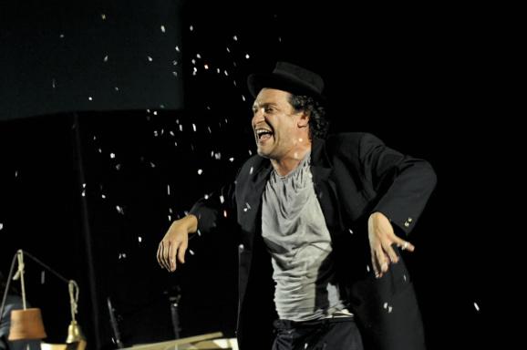 GROPPI D'AMORE NELLA SCURAGLIA | E.T. extra teatro